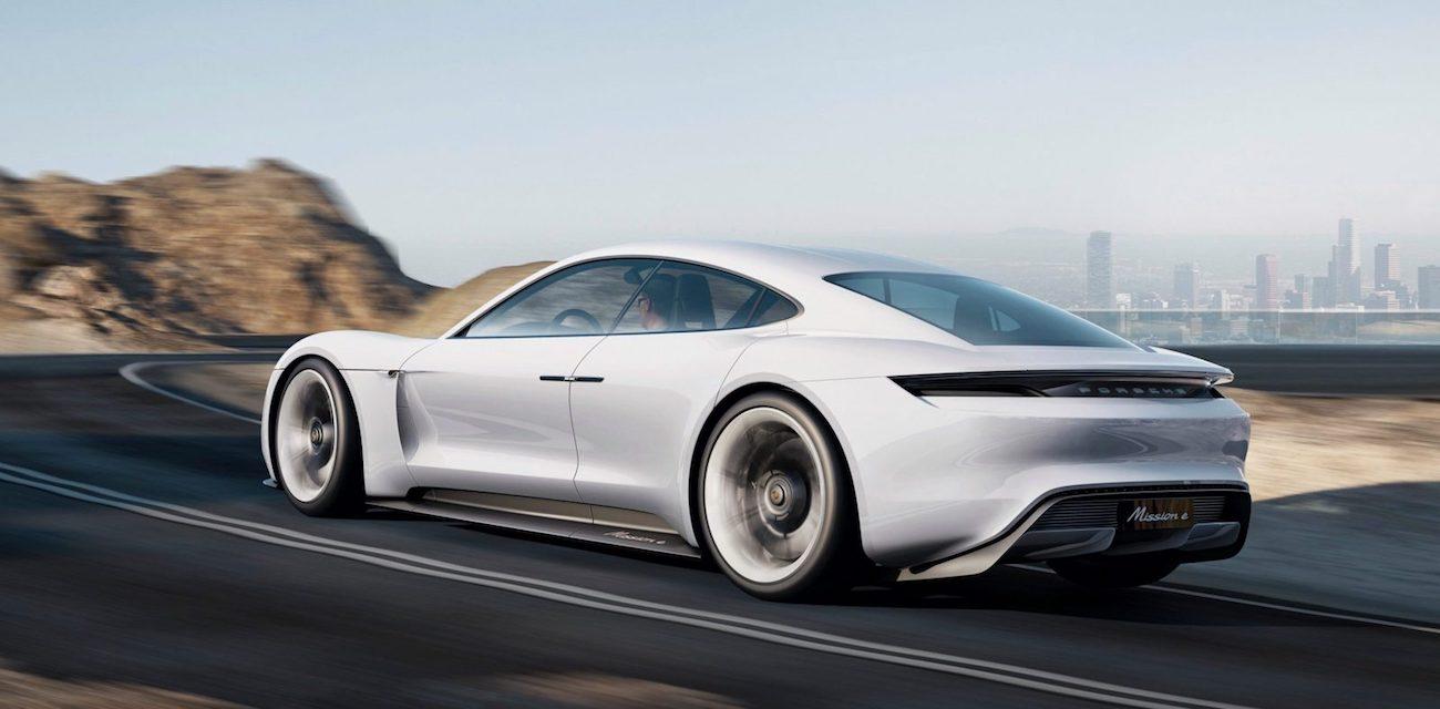 Porsche recarga coches eléctricos