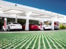 Tesla baja el precio de las recargas en sus Supercargadores 3 días después de subirlos