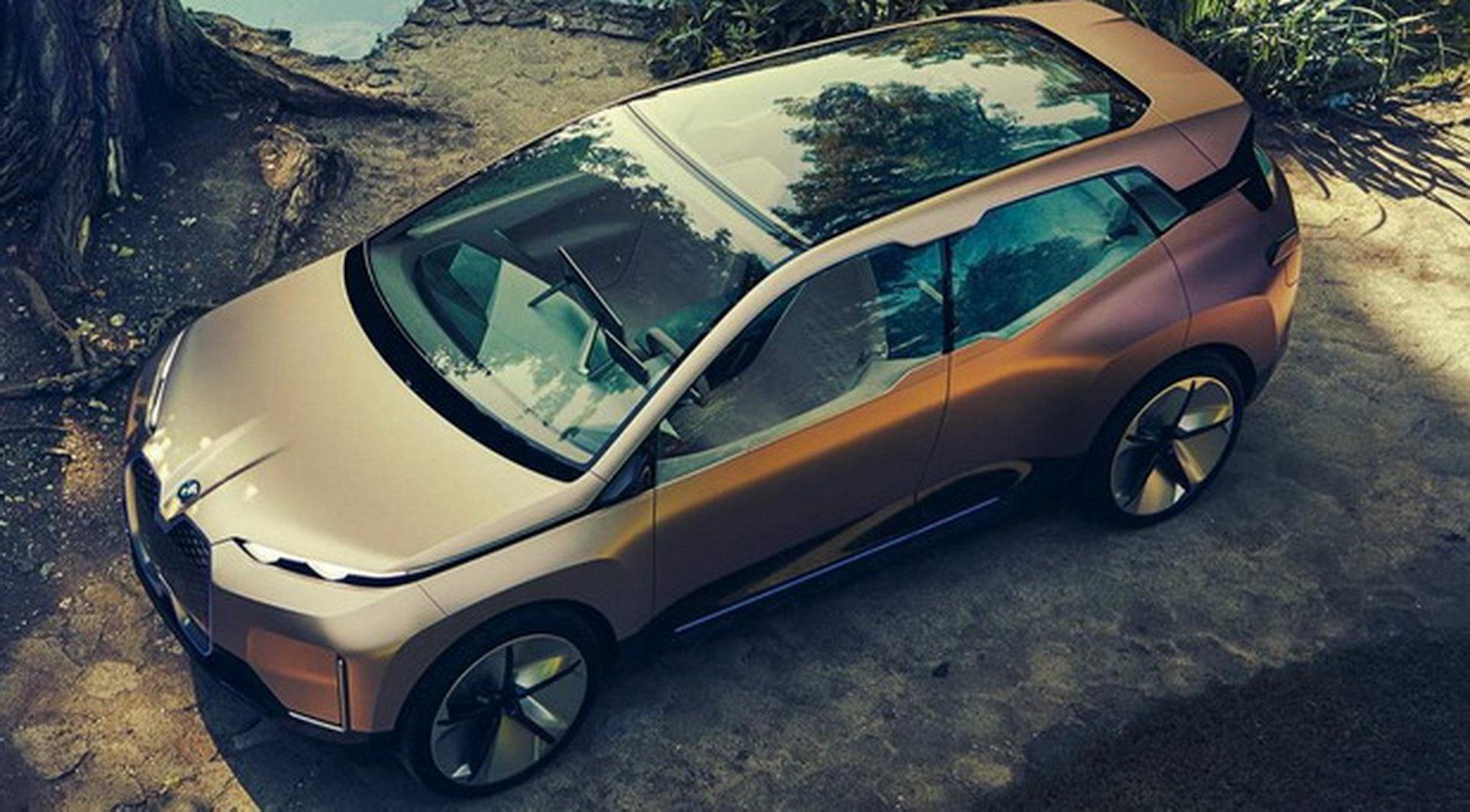 BMW iNEXT 2021
