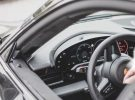 Una foto espía revela nuevos detalles del interior del Porsche Taycan