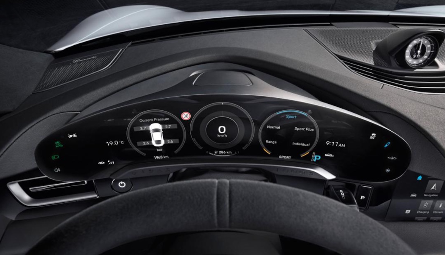 Porsche Taycan Tesla