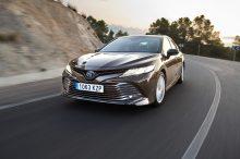 Prueba: Toyota Camry Hybrid, la alternativa japonesa entre las berlinas híbridas