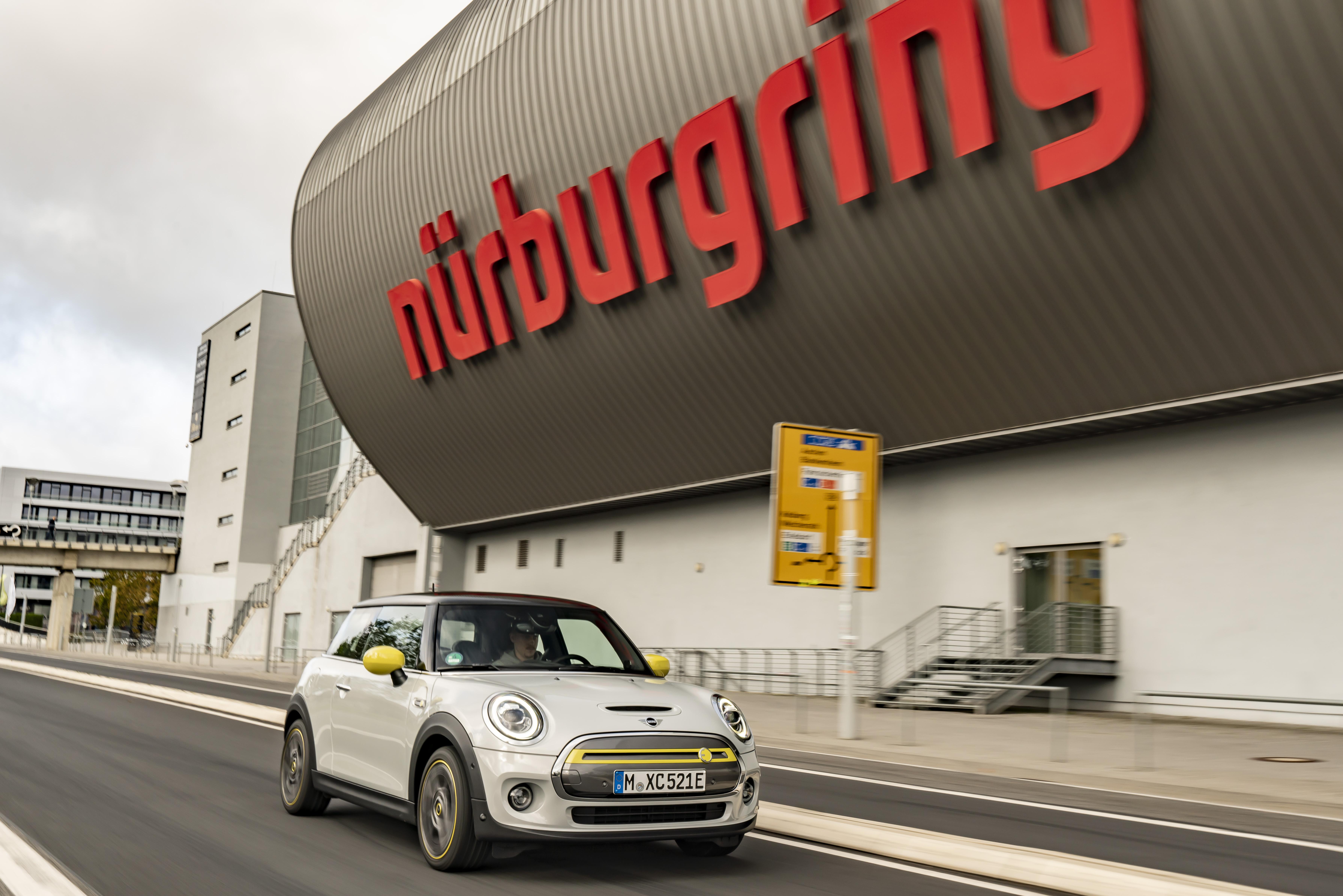 Mini Cooper Se Nurburgring (2)