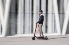 ¡Atención madrileños! El casco será obligatorio en Madrid en patinetes y bicicletas