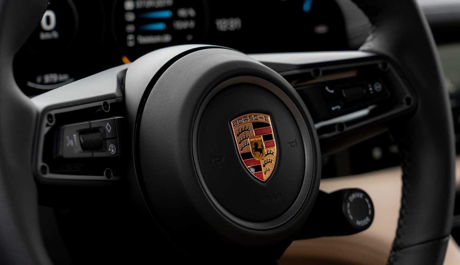Porsche Taycan Volante