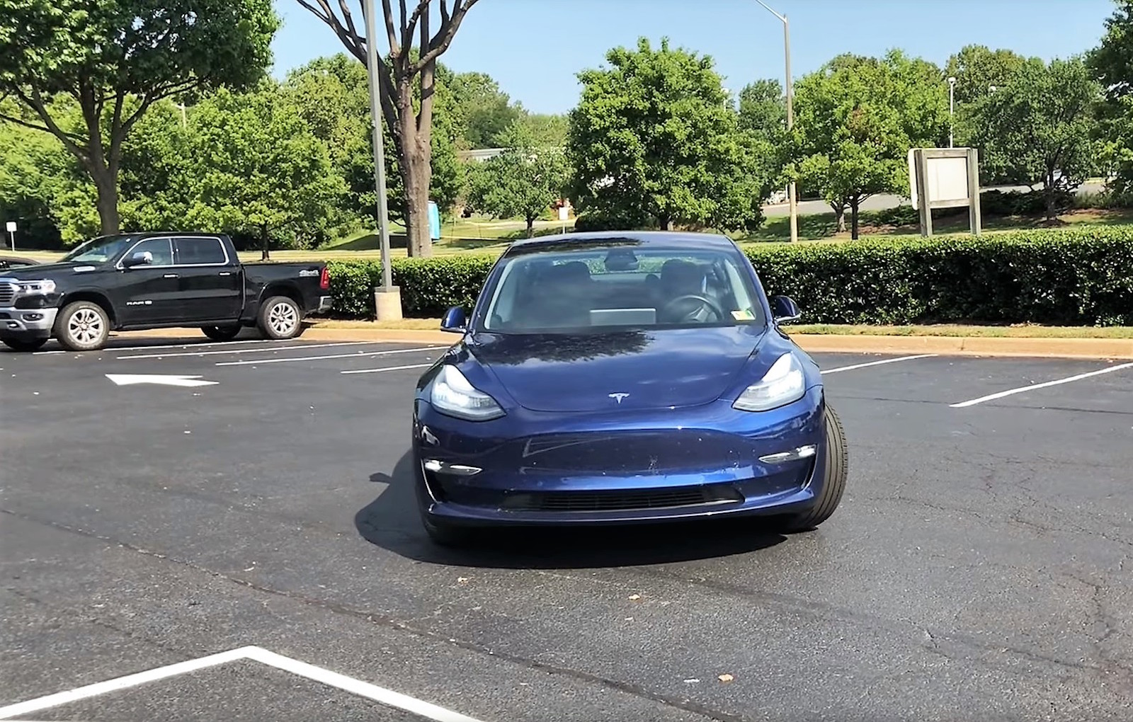 Tesla Model3 Blue Smart Summon