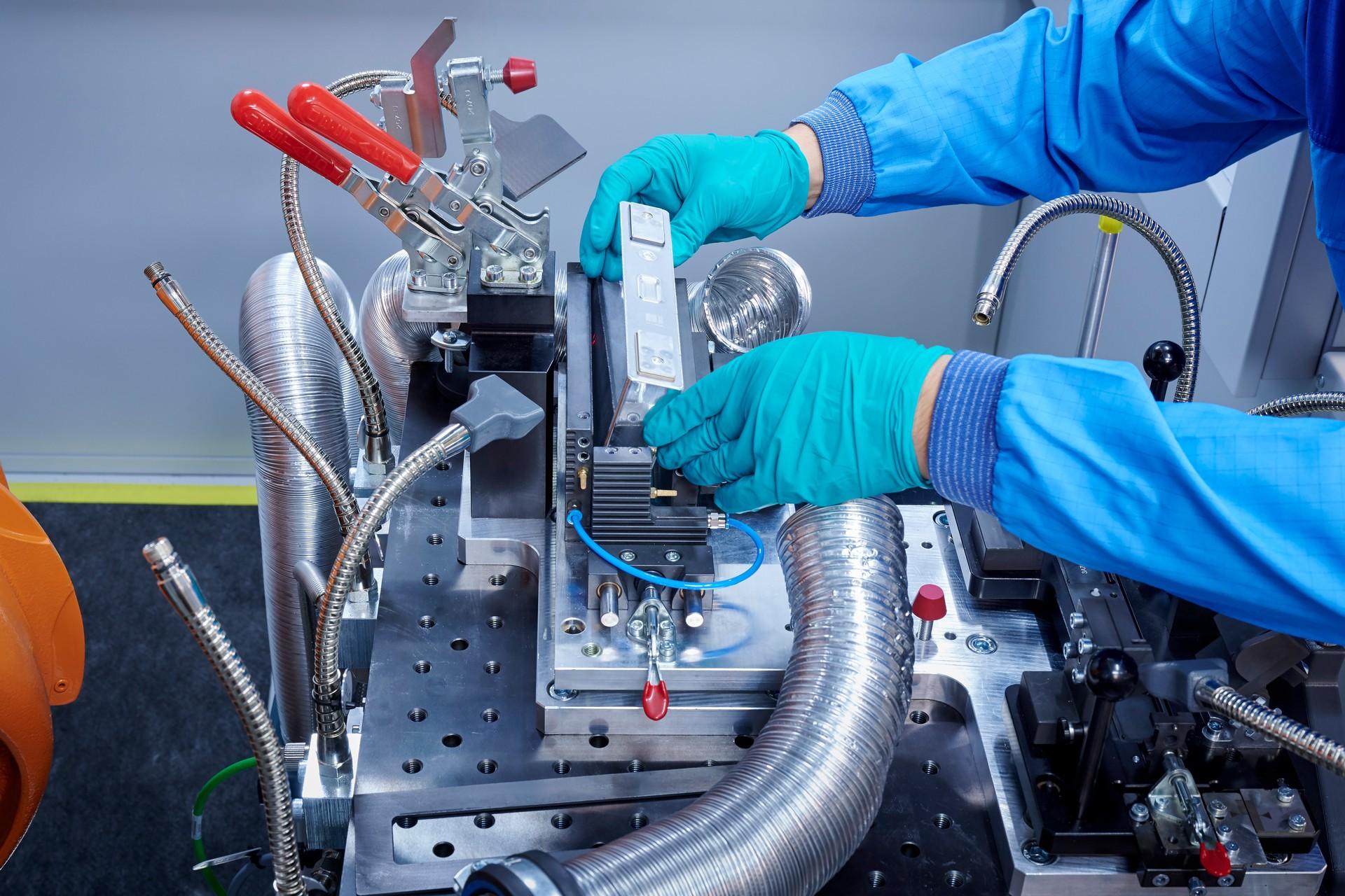 Bmw Dobla Autonomía Baterías Coches Eléctricos Para 2030 4