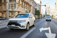 Gracias al precio del Mitsubishi Outlander PHEV en oferta, lucir la etiqueta CERO es mucho más económico