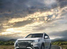 Mitsubishi Outlander Phev 26