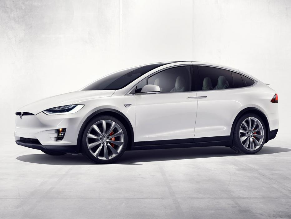 Tesla Model X 100d Vs Cayenne 1
