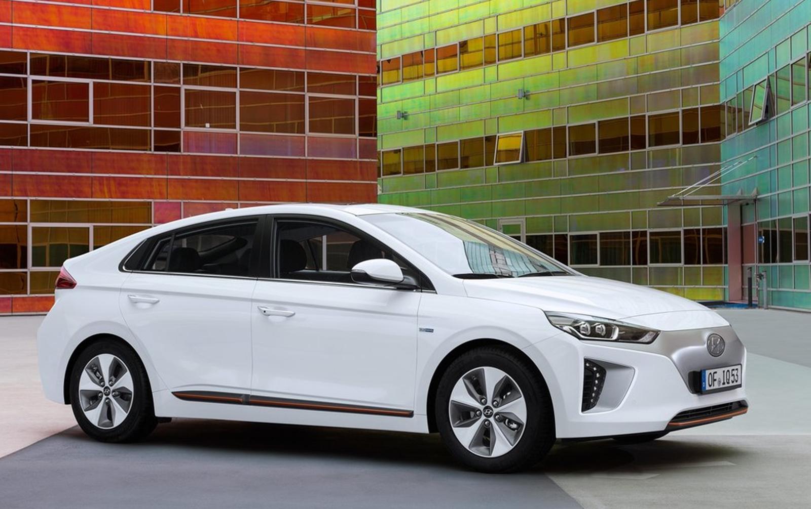 Hyundai Ioniq 2017 1024 05
