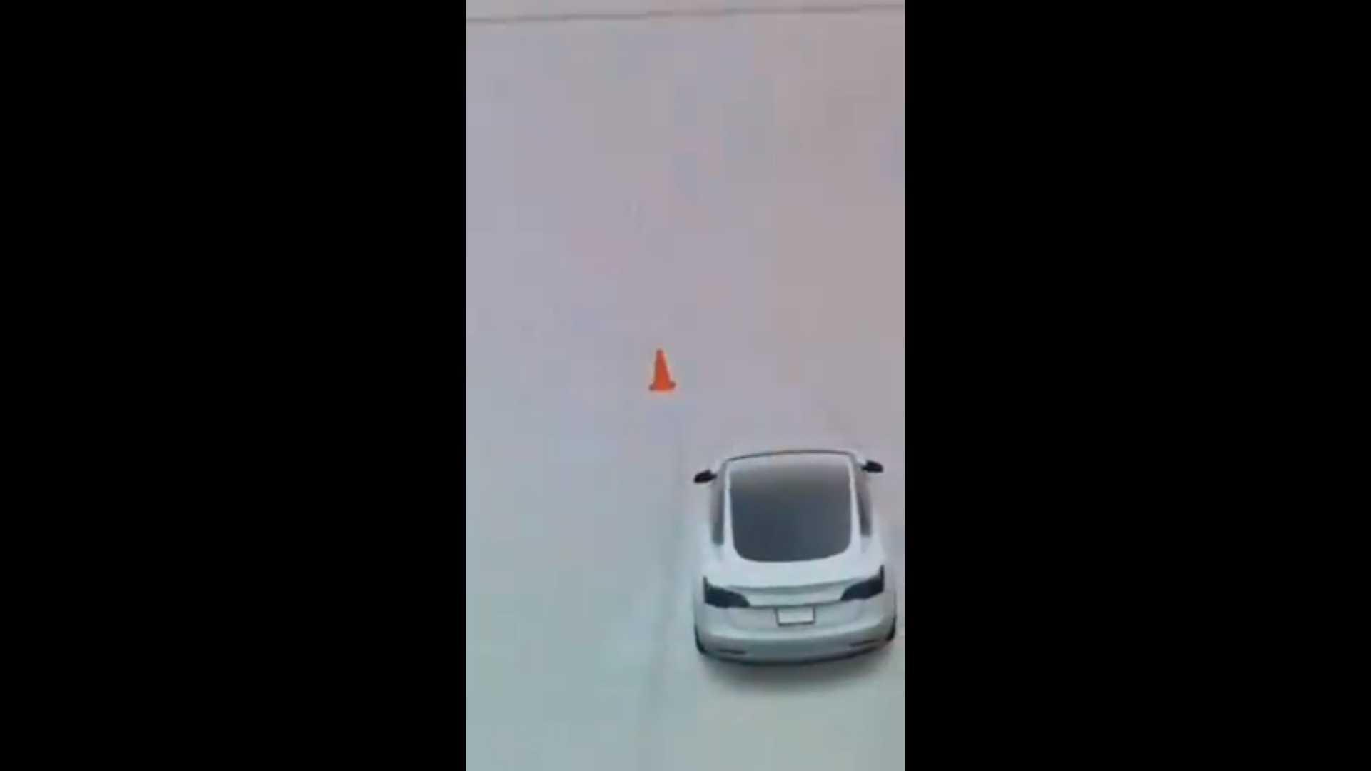 Tesla Cono 2