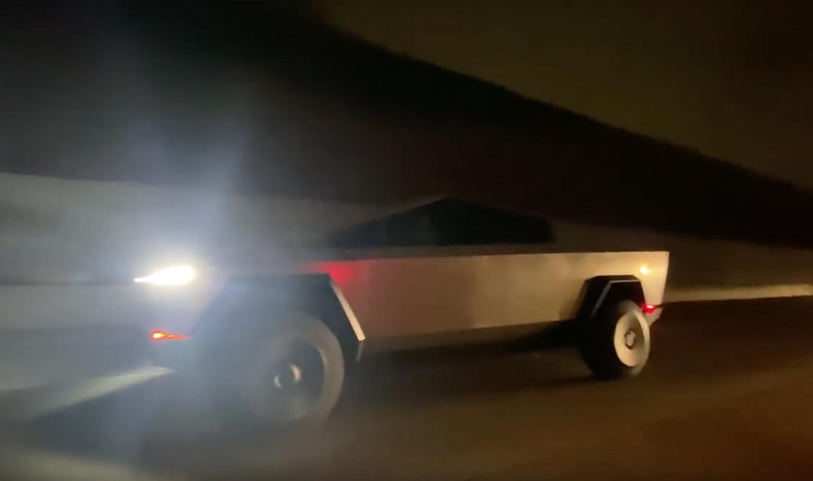 Tesla Cybertruck La 405