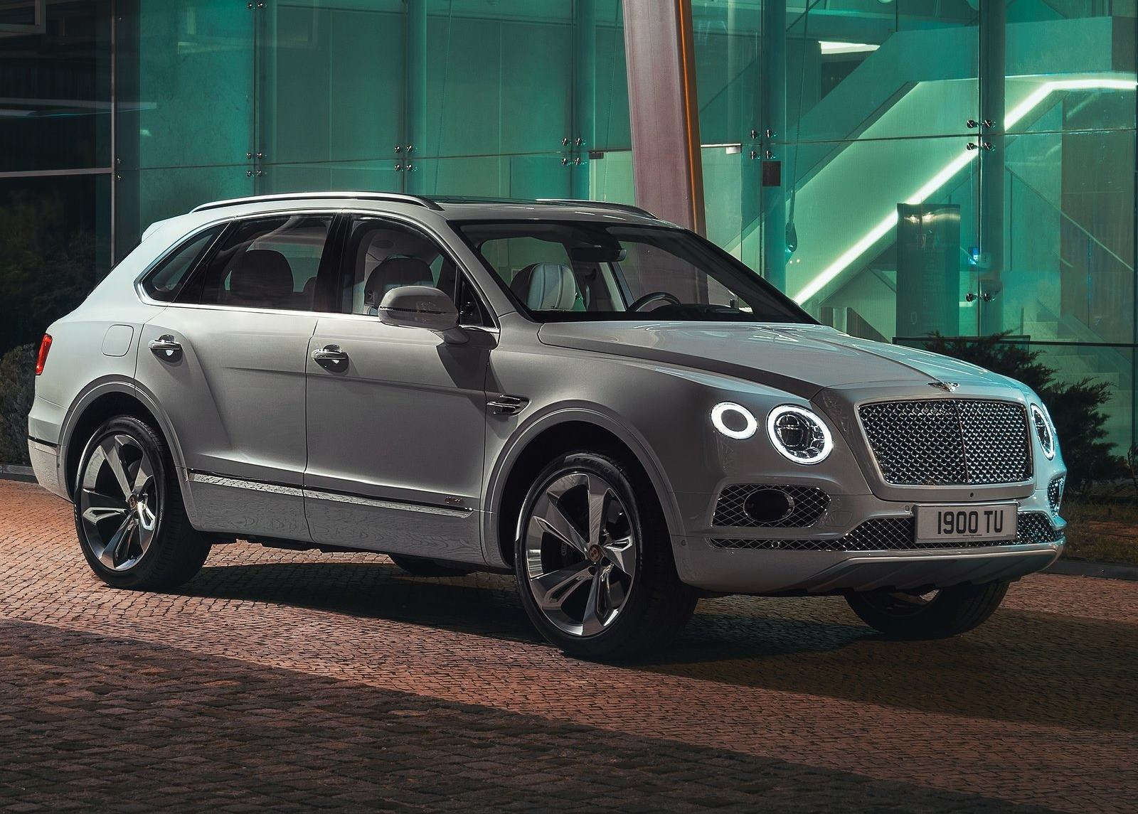 Bentley Bentayga Hybrid 2019 1600 01