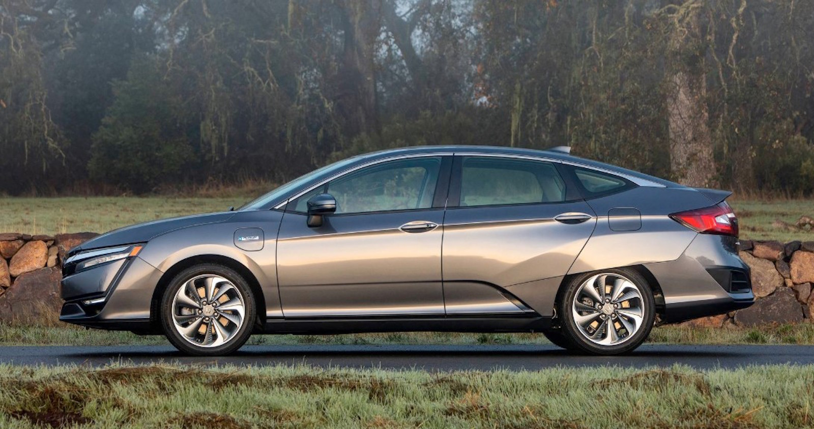 Honda Clarity Phev Side