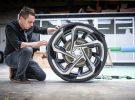 ¿Necesita un coche eléctrico llantas de 23 pulgadas?