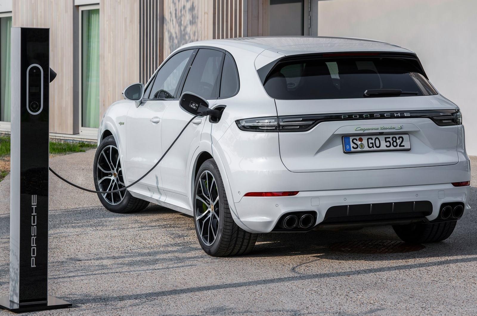 Porsche Cayenne Turbo S E Hybrid 2020 1600 0b