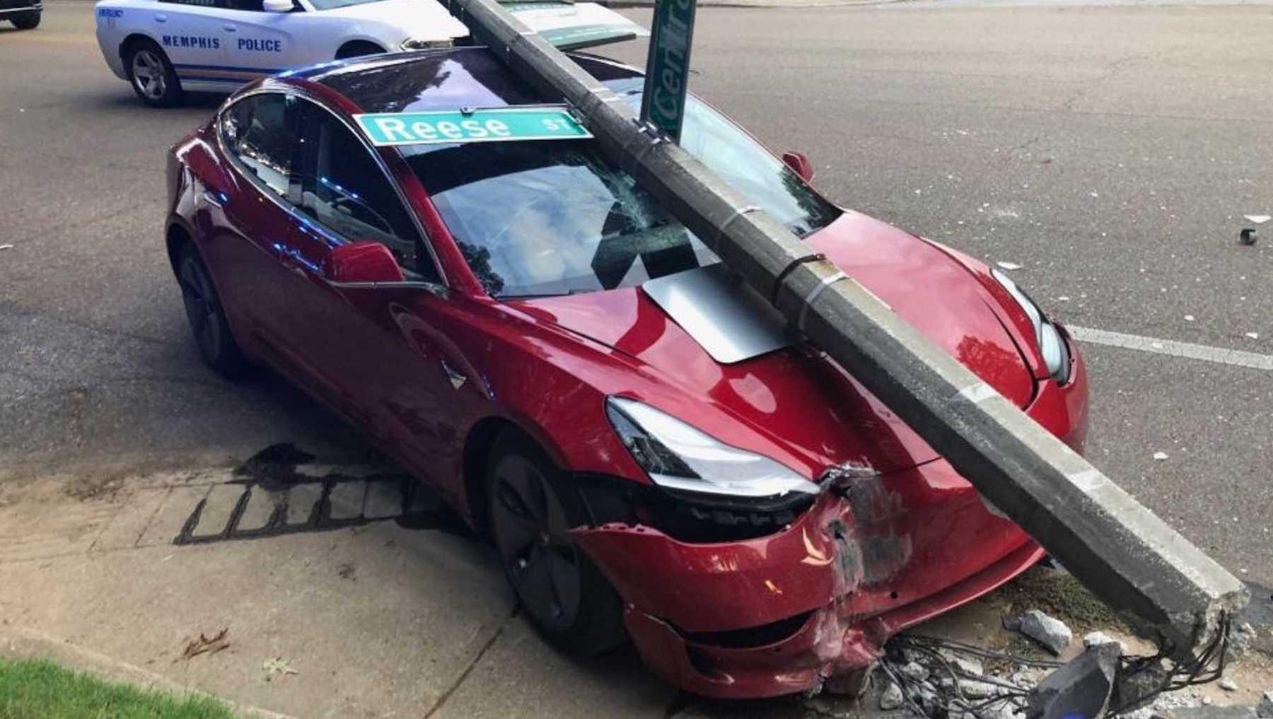 Tesla Crash Red 3