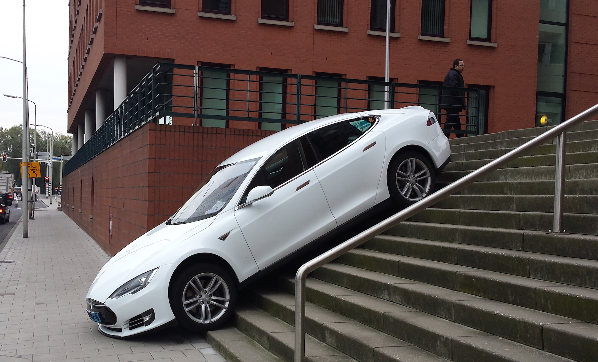 Tesla Crash S Stairs