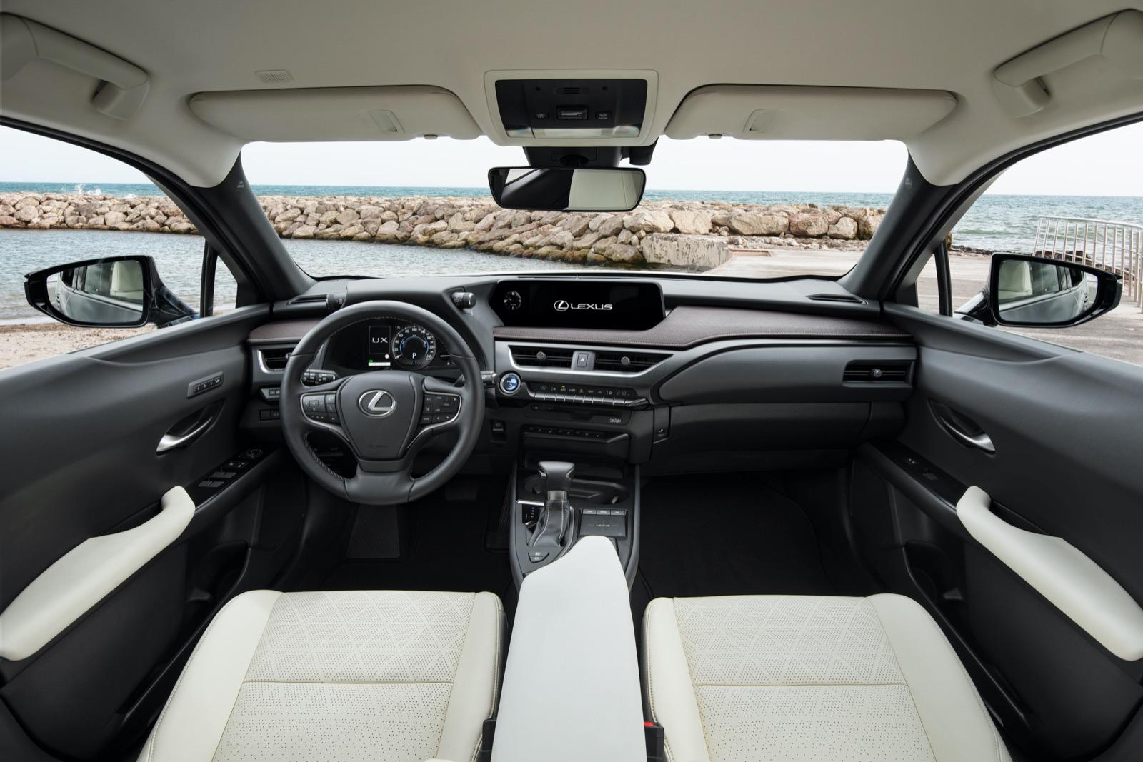 Lexus Ux 250h 6
