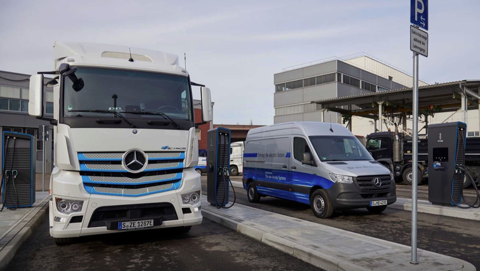 Mercedes Benz Charging Truck