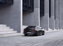 The Refreshed Volvo S90 Recharge T8 Plug In Hybrid In Platinum Grey