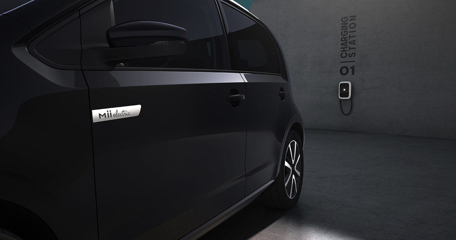 Detailed Look At The Electric Car From The Inside 02 Hq