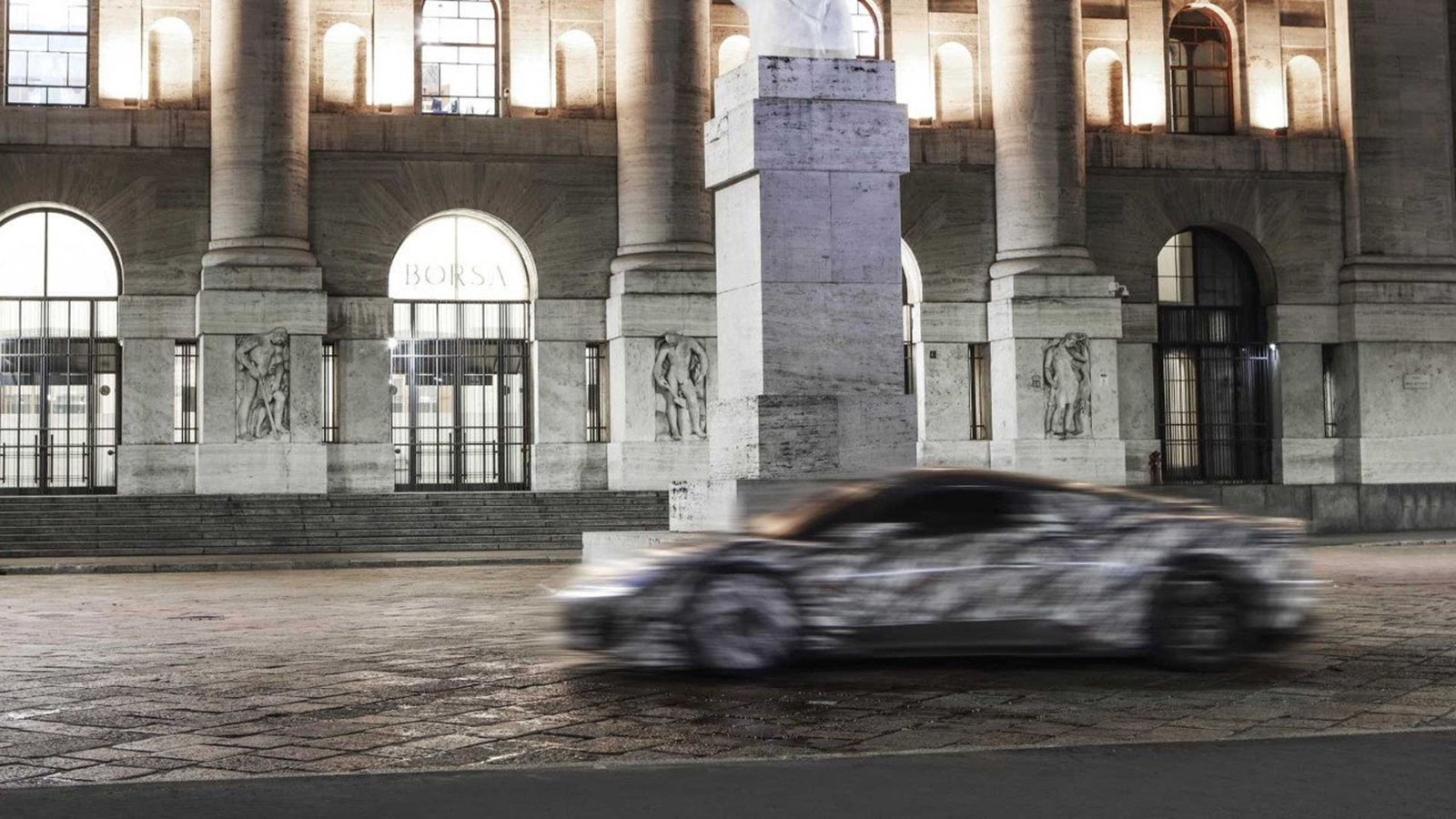 Maserati Mc 20 (3)