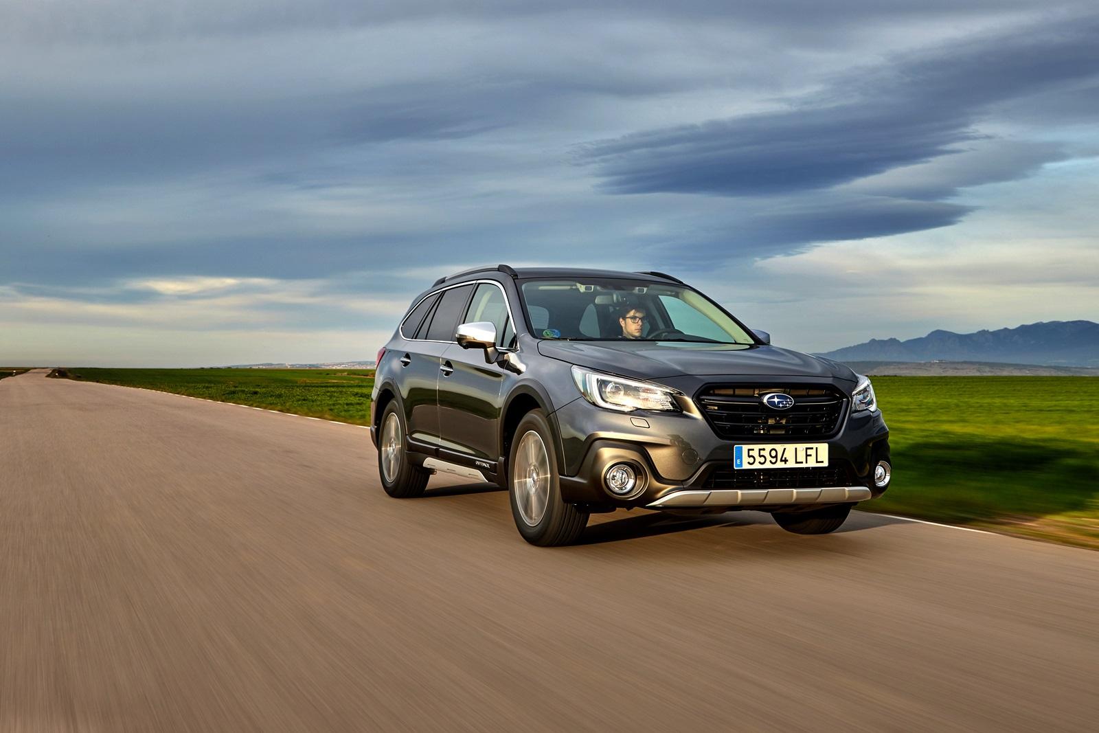 Subaru Outback Silver Edition (2)