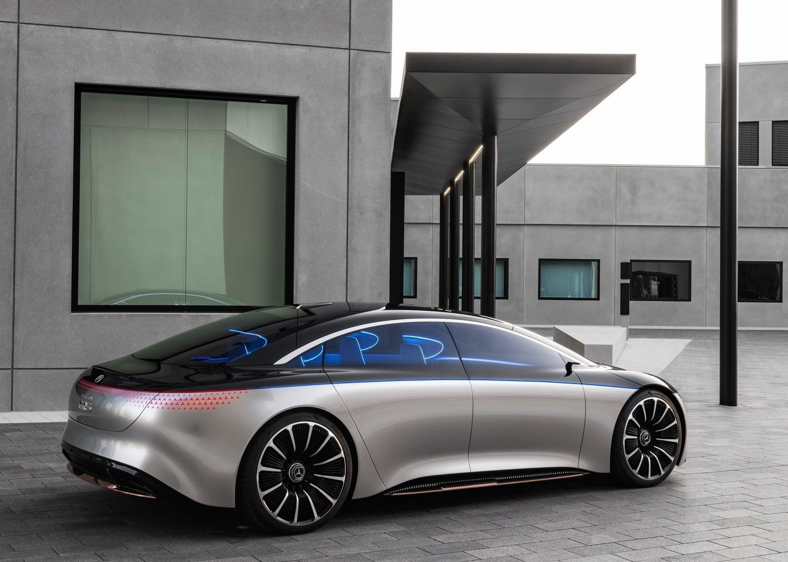 Mercedes Amg Eqs (3)