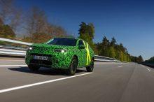 El Opel Mokka-e juega al destape en un nuevo vídeo