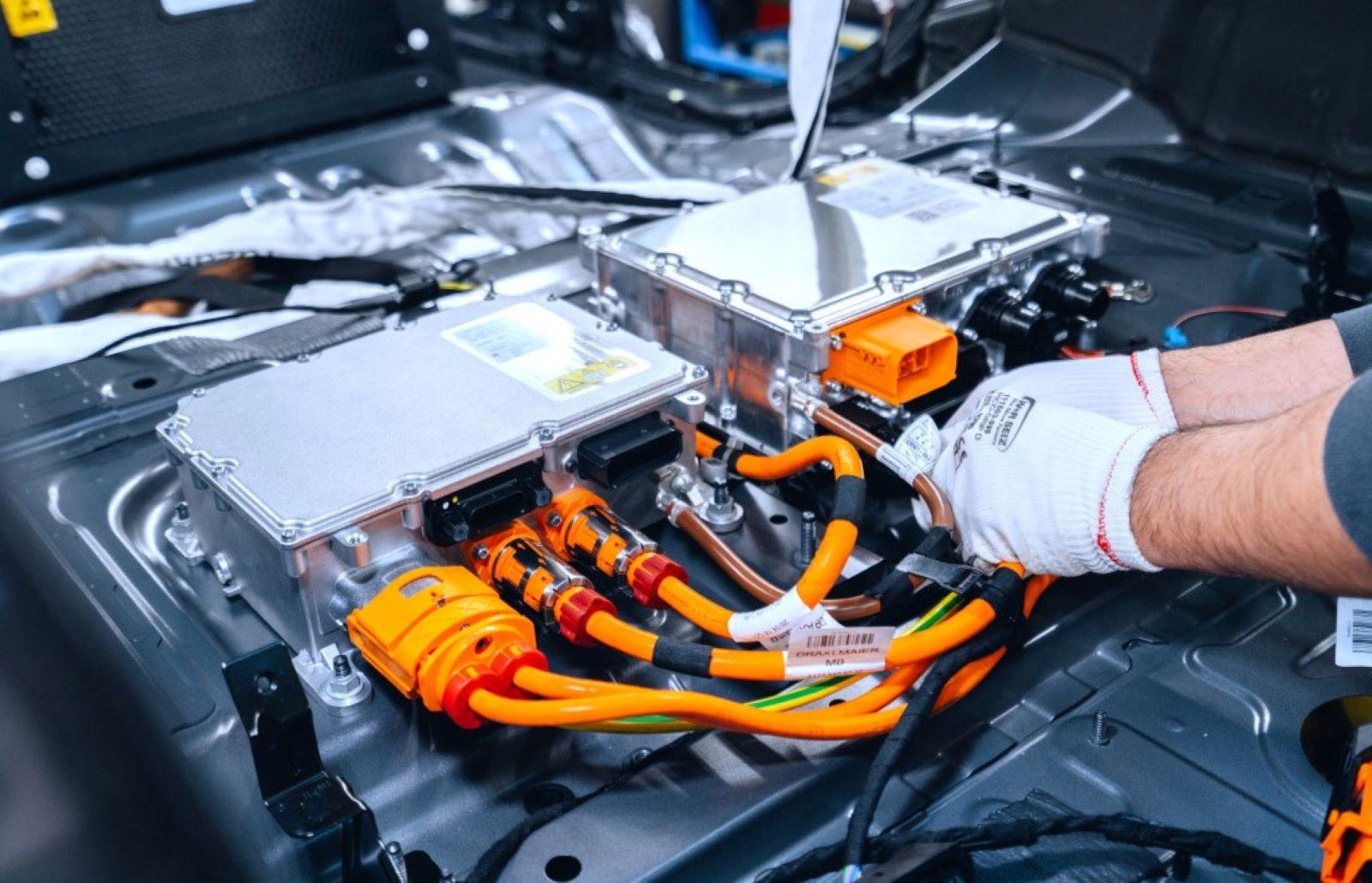Mercedes Benz Cla Phev Motor