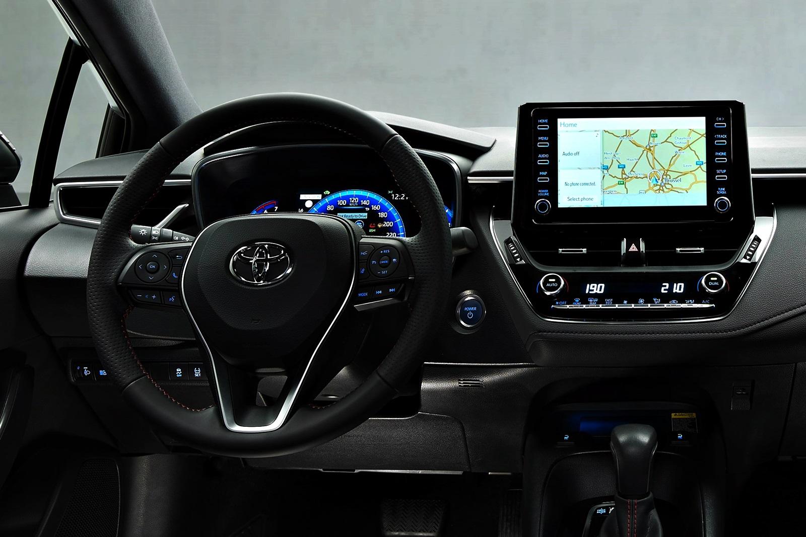 Toyota Corolla Sedan Gr (6)