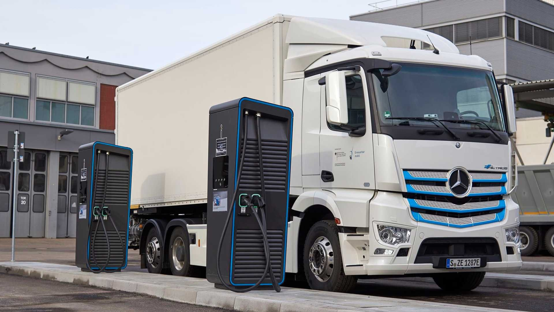Mercedes Benz Eactros Charge