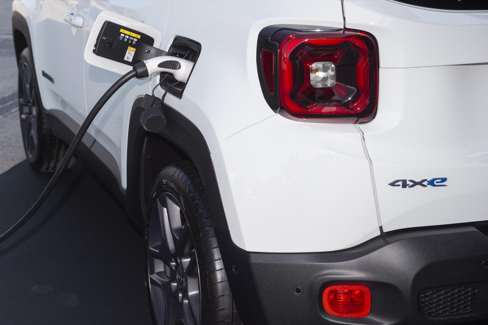 Jeep Renegade 4xe 11