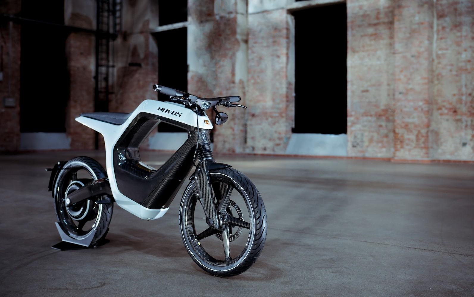 Novus Electric Bike Front