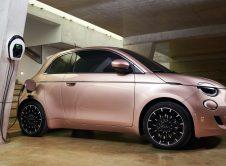 Fiat 500 2021 Charging