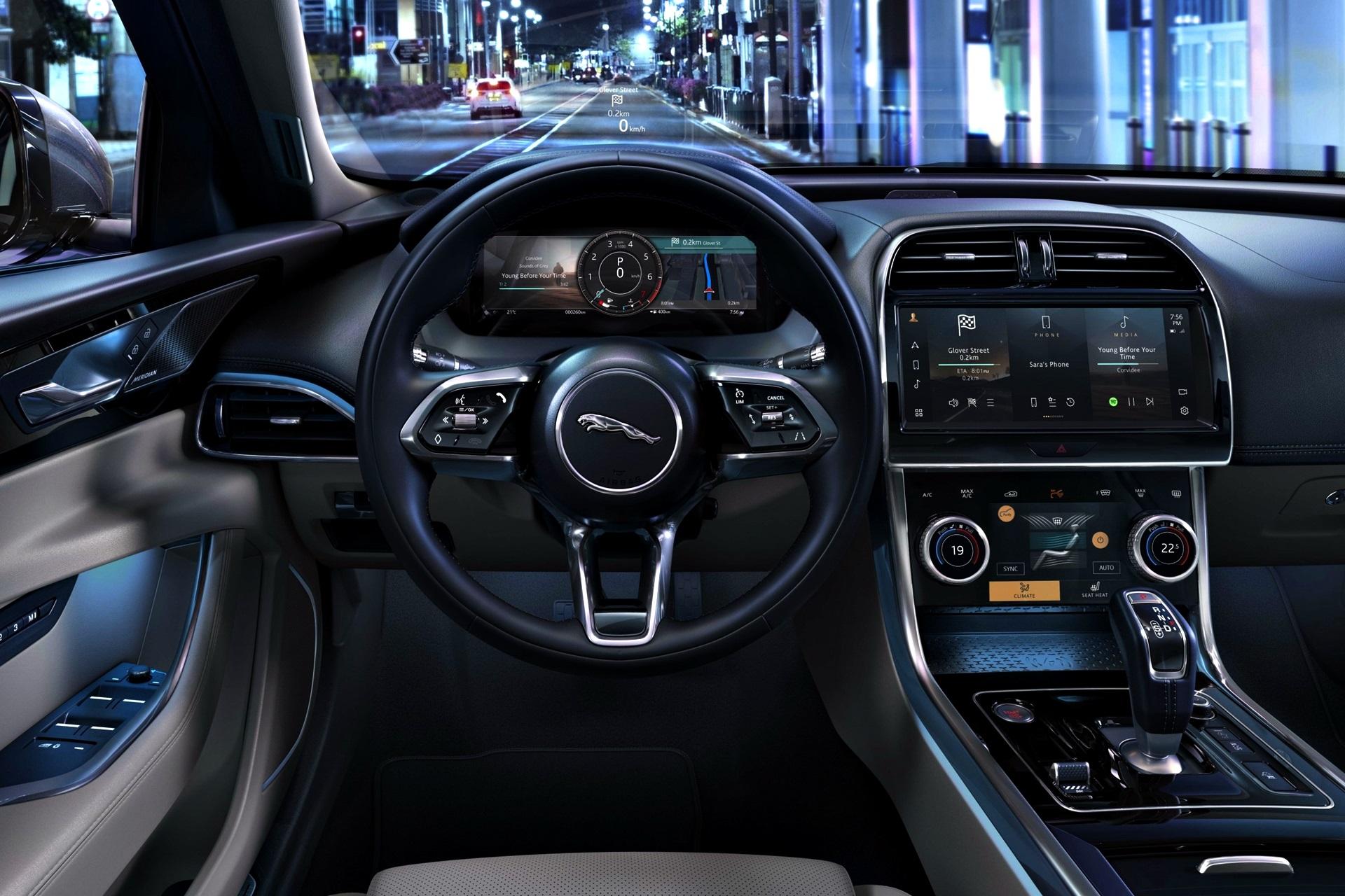 Jaguar Xe 2021 (4)