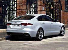 Jaguar Xe 2021 (5)