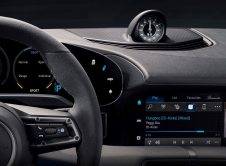 Porsche Taycan Dashboard Apple Music