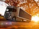 Scania quiere usar paneles solares en sus camiones PHEV para ahorrar combustible
