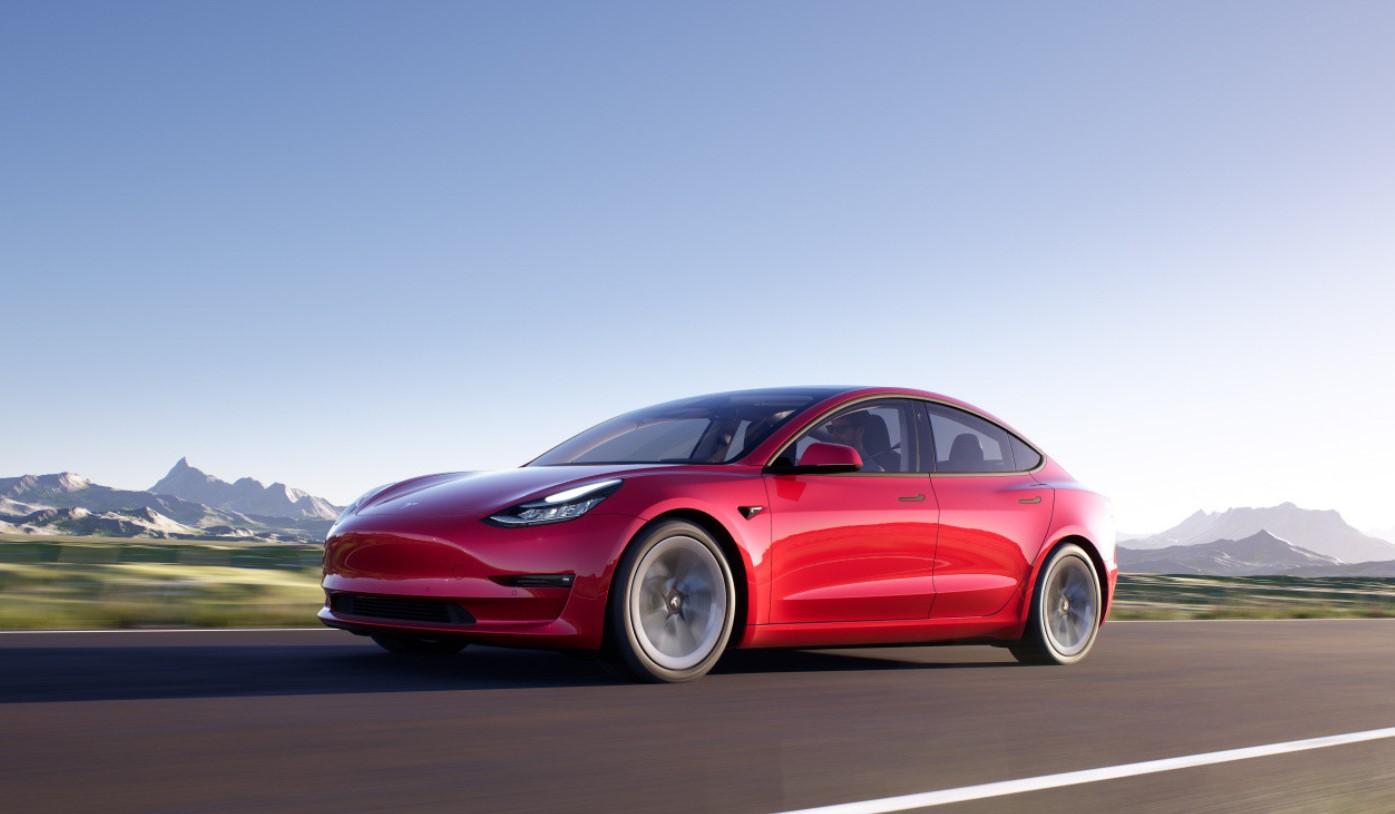Tesla Model 3 2021 Red Road