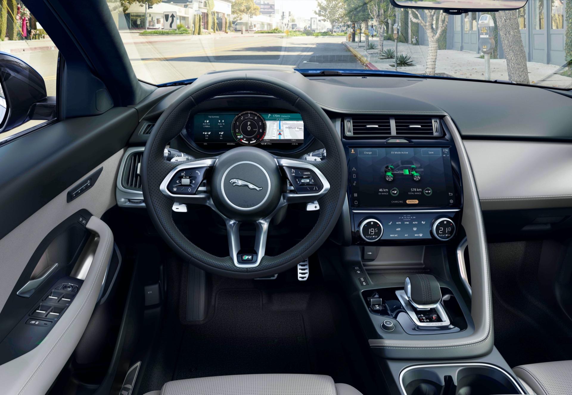 Jaguar E Pace 2020 13