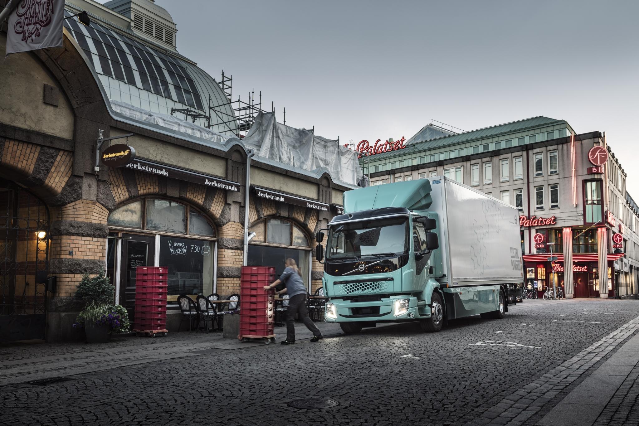 Volvo Trucks Series City
