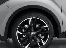 Toyota C Hr Gr Sport 13