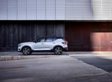 Xc40 R Design, In Crystal White Pearl