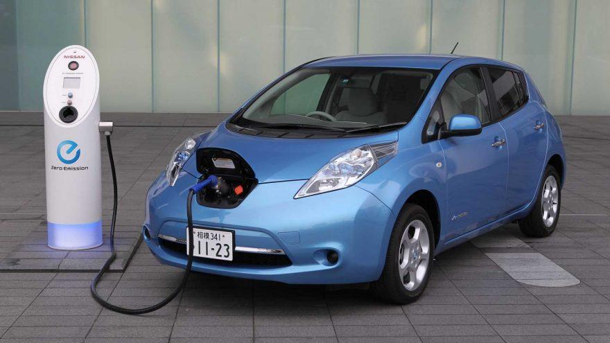 Nissan Leaf 2010 First Gen Charging