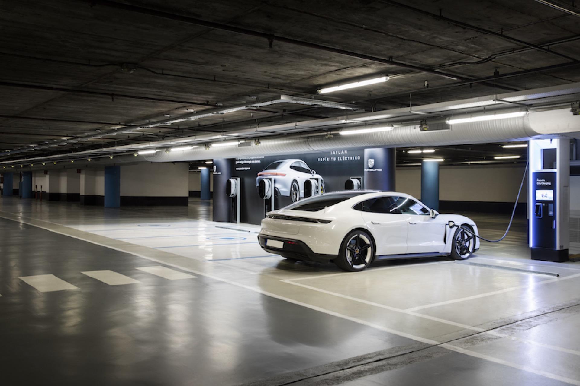 Porsche City Charging 4