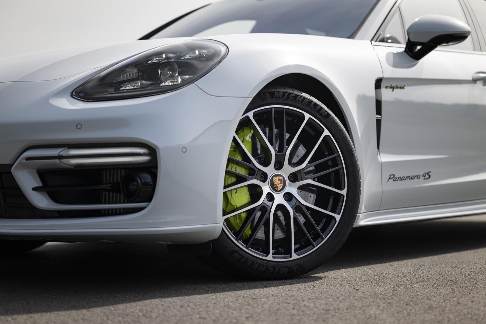 Porsche Panamera 4s E Hybrid 52