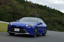 Toyota considera que aún es pronto para centrarse exclusivamente en el vehículo eléctrico
